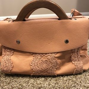 Handbags - NWOT pink wood handle purse